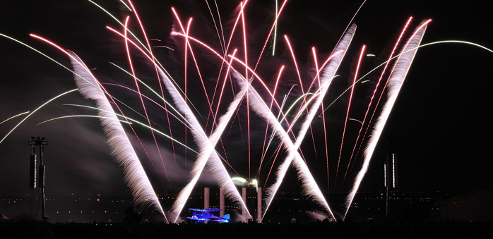 Cergy Firework by Sextan with APG line array 698px