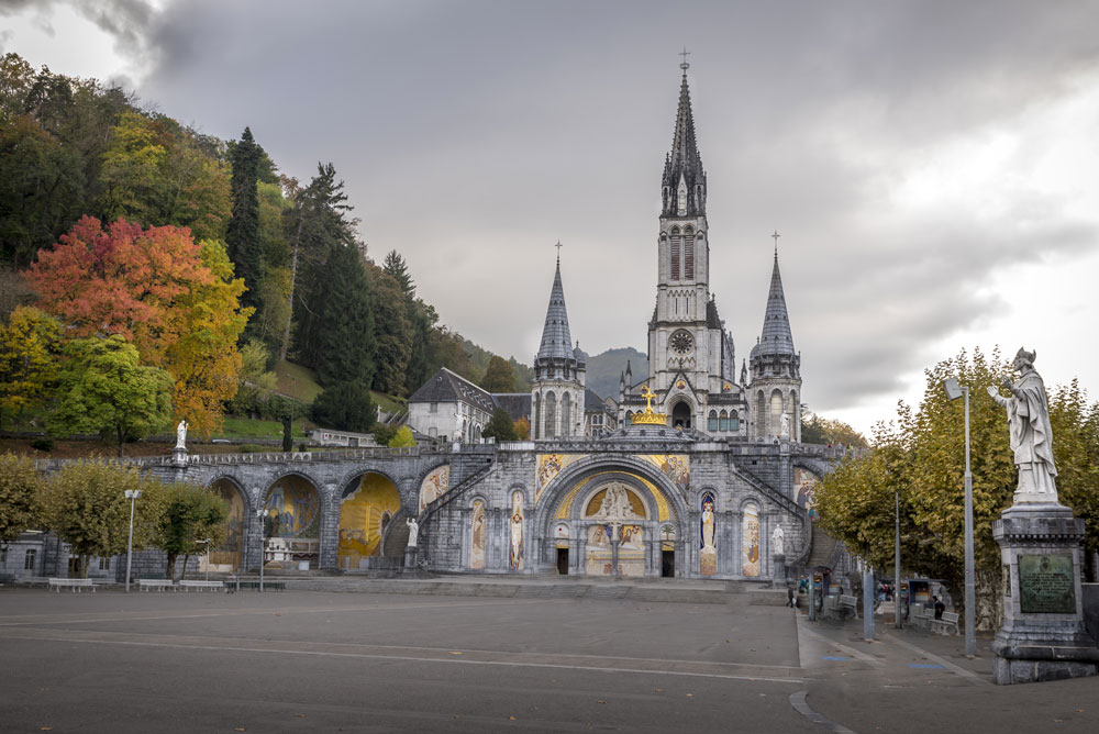 SAINTE-BERNADETTE Church, Lourdes